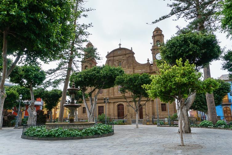 Plaza e Iglesia de Santiago en Gáldar