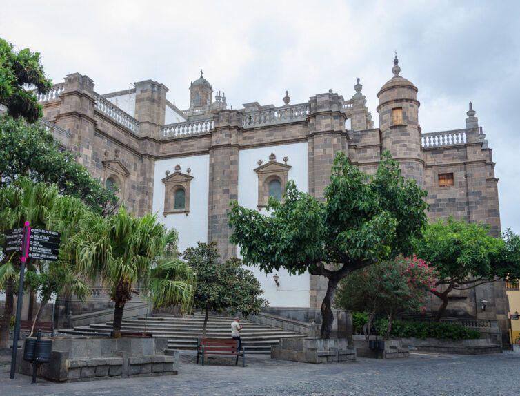 Catedral de Santa ana y Plaza del Pilar nuevo en Vegueta