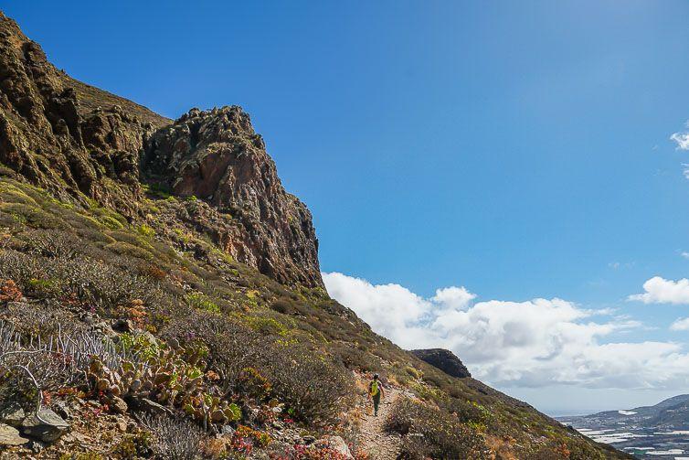 ruta de senderismo subida montaña amagro-4